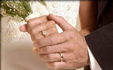 بعد قصة حب.. تونسيان يتزوجان في الثمانين